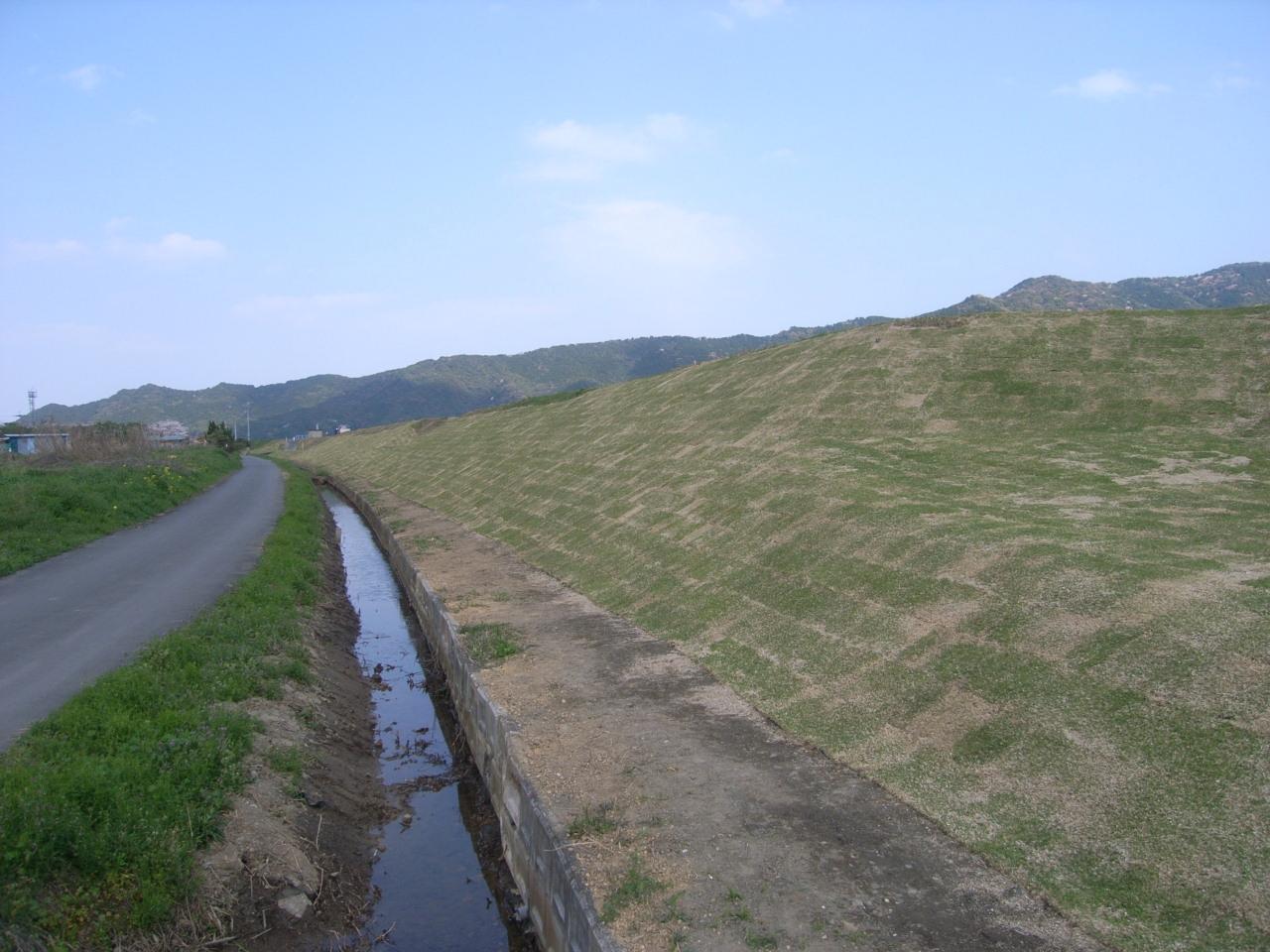 女島地区上流部堤防補強