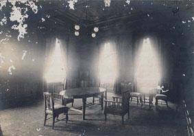 完成当時の二十三銀行本店 内装